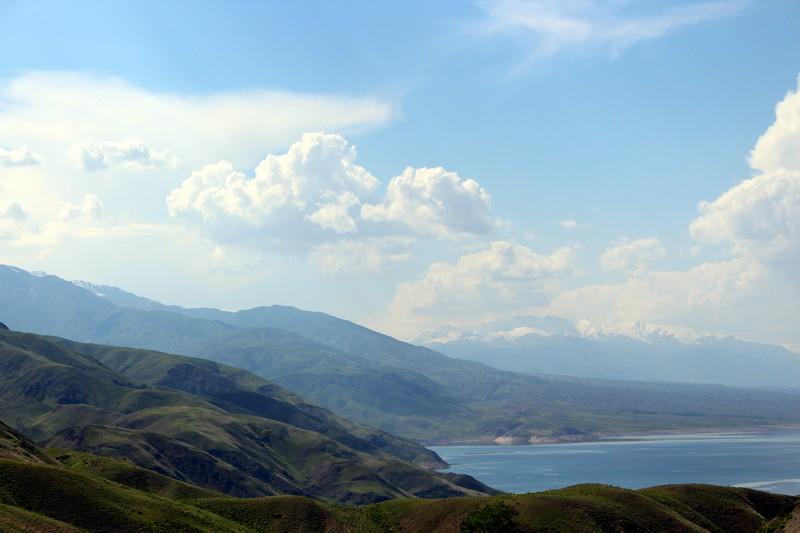 Blick über den Toktogul-See