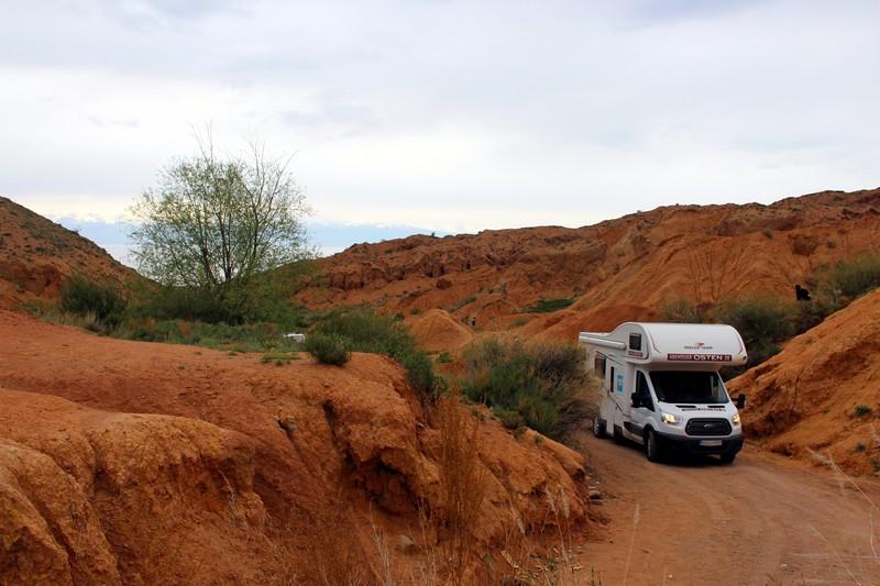 Abenteuer Osten: Wohnmobil im Skazka-Canyon / Fairy Tale-Canyon / Märchen-Canyon unweit des Issyk Kul-Sees