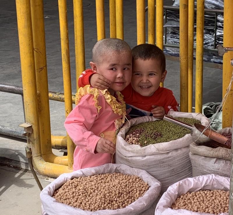 abenteuerosten uigurien kinder